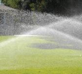 Zalivanje-travnjaka-rotor-prskacima